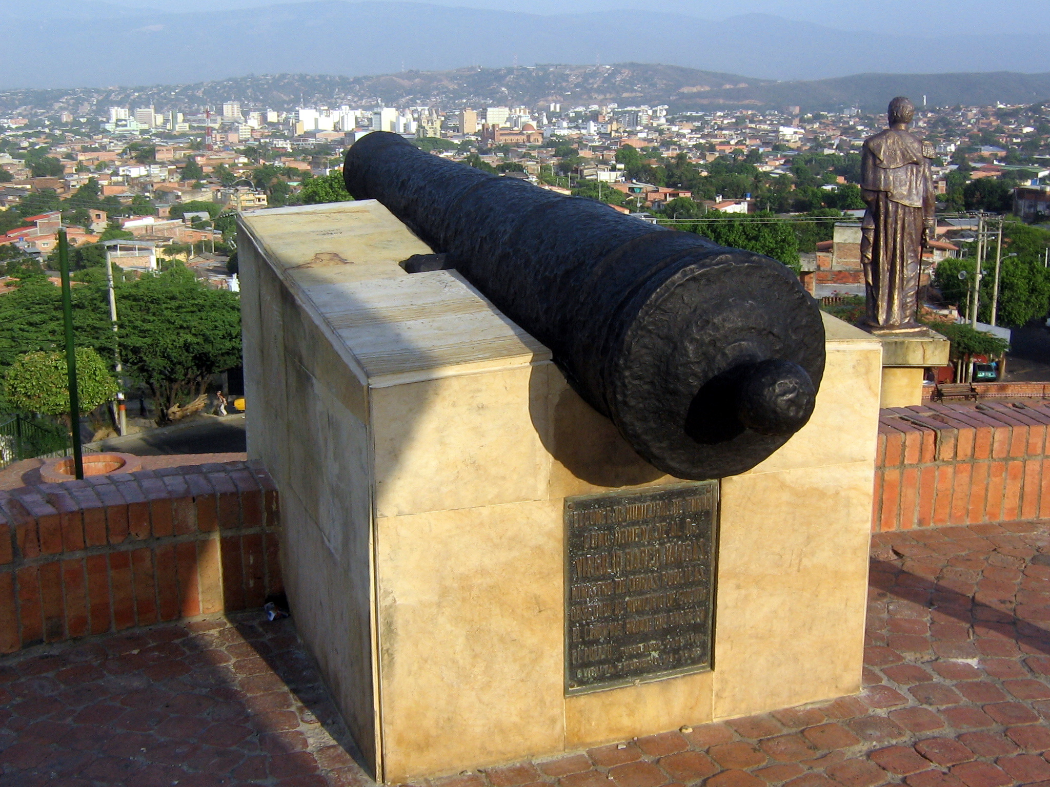 Battle_of_Cúcuta_canon